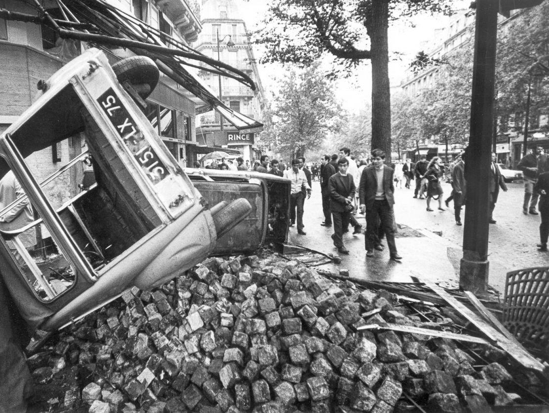mai-68-barricades-saintmichel-paris_003